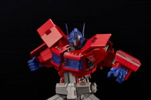 Flame Toys IDW Shattered Glass Drift and Optimus Prime Model Kit Pre-Orders Open