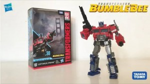 Transformers News: English Video Review of Transformers Studio Series #38 Voyager Class Bumblebee Movie Optimus Prime