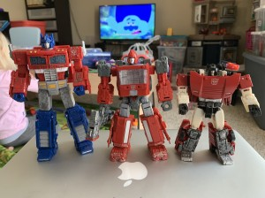 Transformers News: Scale Comparison Images for Transformers Siege Ironhide