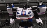 Transformers News: New Images of United UN-12 Autobot Jazz