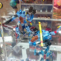 Transformers News: First Look at Transformers Generations Voyager Whirl
