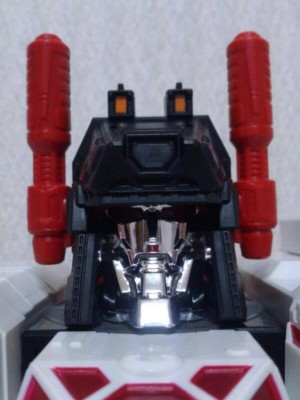 Transformers News: In-Hand Images: Takara Tomy Transformers Generations TG-23 Metroplex