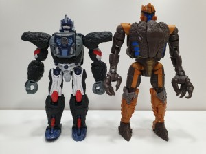 Transformers Kingdom Wave 2 Voyagers Found In Singapore + In Hand Images and Video Review of Dinobot