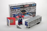 2012 Transformers CybertronCon Exclusive - Universal Studio Optimus Prime Special Edition New Images
