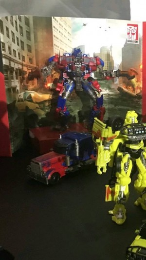 Transformers News: New Images of Studios Series Optimus, Ratchet and Crowbar