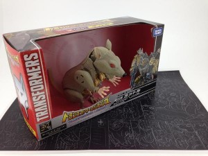 In-Package Image - Takara Tomy Transformers Legends LG01 Rattle (Rattrap)
