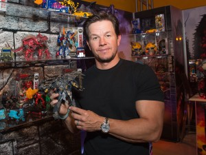 Transformers News: Toy Fair 2017 - More photos of the Transformers: Last Knight crew