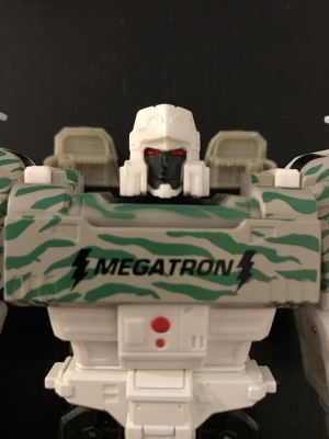 Generations Selects G2 Megatron Photogallery and English Video Review