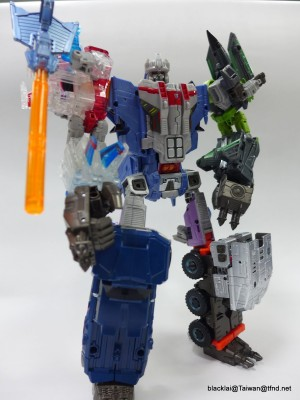 In-Hand Images - Takara Transformers Unite Warriors UW06 Grand Galvatron