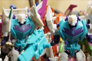 Transformers News: BotCon 2014 Exclusive Transformers Figures Now Online