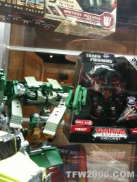 Transformers News: SDCC Images : RotF Hoist, RotF G1-Deco Mixmaster and Reissue Insecticons