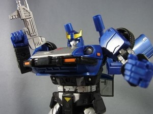 Transformers News: In-Hand Images - Takara Tomy Masterpiece MP-18B Blue Streak