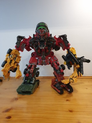 In Hand Photos of Transformers Studio Series Overload and Devastator Fully Combined