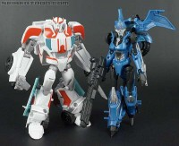 """New Toy Galleries: Transformers Prime """"Robots in Disguise"""" Deluxe Ratchet and Arcee"""