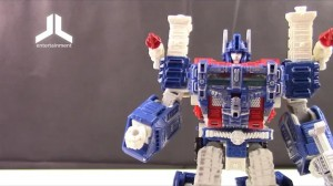 Transformers News: Video Review of Transformers War for Cybertron: Siege Leader Class Ultra Magnus