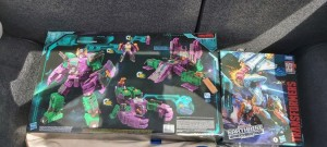 Loads of New Transformers Sightings in Canada with Doubledealer, Skylynx, Slitherfang and More