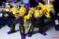 Transformers News: A Closer Look at MakeToys Excavator and Bulldozer