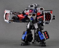 Maketoy Battle Tanker Pre-order at BBTS and TFSource, Hover and Bomber for Preorder at TFSource