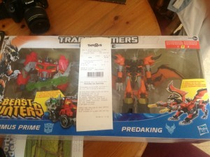 Transformers News: TRU Exclusive Beast Hunters Predaking vs Optimus Prime Two-pack Sighted in Lisbon, Portugal