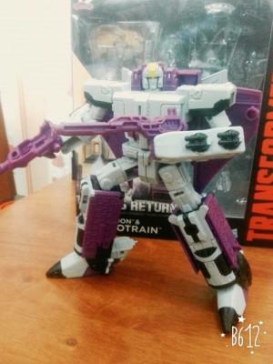 In-Hand - Transformers Titans Return Voyager Astrotrain and Titan Master Darkmoon
