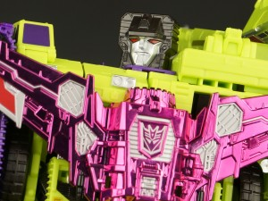 Transformers News: New Gallery: SDCC 2015 Combiner Wars Devastator