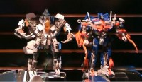 Transformers News: Toy Fair 2010: Transformers Voyager and Leader Class Figures UPDATE!
