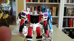 Transformers Collectors' Club Subscription Service 3.0  Carzap with G.B. Blackrock Now Arriving