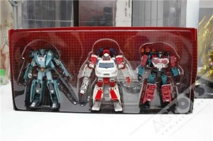 Transformers News: In-Hand Images: Asian Market Exclusive Autobot Warrior 3 Pack