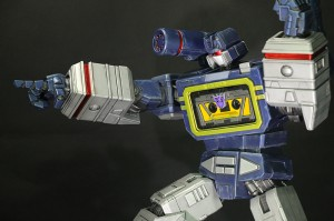 Transformers News: New images of Imaginarium Art Transformers Soundwave Statue
