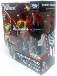 In-Package Images: Takara Tomy Transformers Generations TG-17 Blaster & TG-18 Skywarp