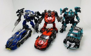 New Images of Studio Series Leadfoot next to his fellow Wreckers