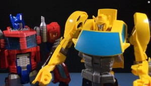 Video Review - Transformers Cyber Commander Bumblebee