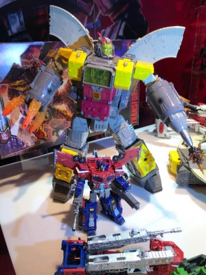 Transformers News: Toy Fair New York 2019 Transformers War for Cybertron: Siege Photos #tfny #hasbrotoyfair