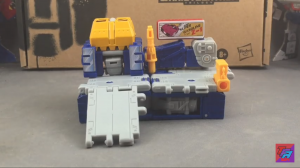 New Video Review of Transformers Generations Selects Greasepit
