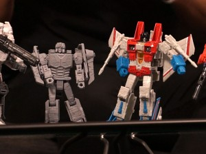 Transformers News: Hasbro unveils Earthrise Starscream, teases Scorponok and more during #NYCC Transformers live stream #NYCC2019