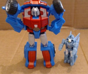 Video Review - Transformers Generations Legends Gears with Eclipse