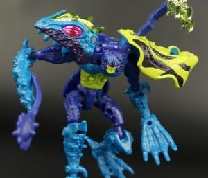 New Galleries: Beast Wars Transmetals 2 Spittor, Nightglider, and Stinkbomb