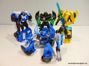In-Hand Images - Transformers Robots in Disguise Warriors Wave 1: Bumblebee, Strongarm, Grimlock, Steeljaw
