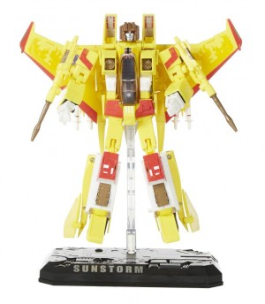 Transformers News: New Promo Images: Hasbro Transformers Masterpiece Sunstorm and Prowl