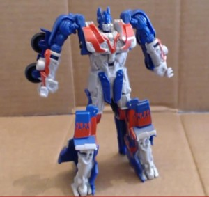 Transformers News: Video Review - Age of Extinction Power Battler Optimus Prime