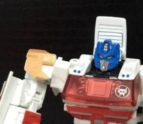 Transformers Collectors' Club Membership Figure Lio Convoy In Hand Image