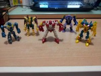 Transformers News: Additional In-Hand Images: Transformers Prime Beast Hunters Cyberverse Terrorcons