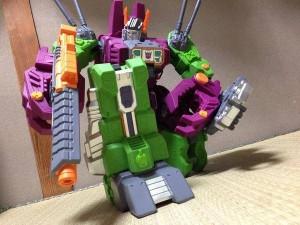 In-Hand Images - Sentinel Gigantic Action Scorponok