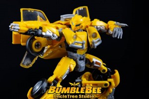 New High Quality Images of Transformers Studio Series 18 VW Bumblebee with Comparison