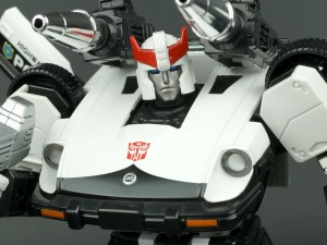 Transformers News: New Gallery: Masterpiece MP-17 Prowl