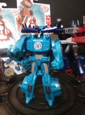 In-Hand Images - Transformers Robots in Disguise One-Step Thunderhoof