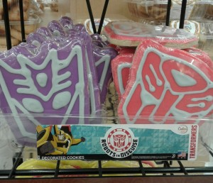 Transformers News: Transformers: Robots in Disguise cookies at Fiesta Mart in Texas