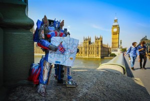 Hasbro Transformers: The Last Knight Figures Loose in London, by Toy Photographer @DarryllJones