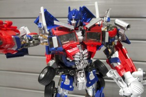 Japanese Pictorial Review of Takara 10th Anniversary Movie MB11 Optimus Prime