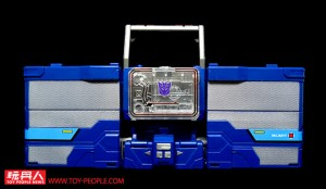 Images of Exclusive Transformers Titans Return Stickers Applied to Soundwave, Alpha Trion and Astrotrain